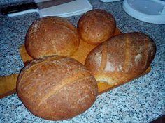 Bezlepkové pečení a vaření: Bezlepkový, hodně hydratovaný chléb se záparou - šťavnatá měkká střídka a tenká křupavá kůrka Food And Drink, Bread, Diet, Brot, Baking, Breads, Buns