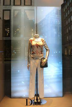 www.retailstorewindows.com: Dior, London