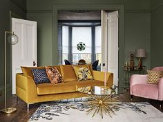 Let's talk about green colour schemes for the perfect green living room , Colour Green ho. : Let's talk about green colour schemes for the perfect green living room , Colour Green homeaccessorieswall Lets Living Perfect Room schemes talk Let's talk abo Mustard Living Rooms, Living Room Green, Dark Walls Living Room, Sofa Design, Interior Design, Interior Architecture, Sofa Living, Interiores Art Deco, Casa Milano