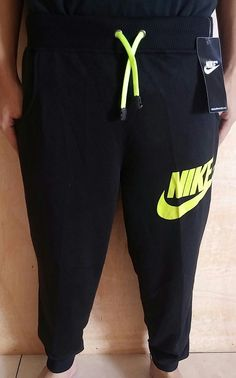 Celana Panjang Joger Nike Hitam Polos list Stabilo     Bahan Despo-Fleece, halus, sejuk, nyaman dipakai, ukuran all size: panjang 91 cm x lingkar 62 cm [melar >82 cm]   Harga 80.000  Minat?? Telp/WA: 085842323238    BBM: 5B0B3B3D