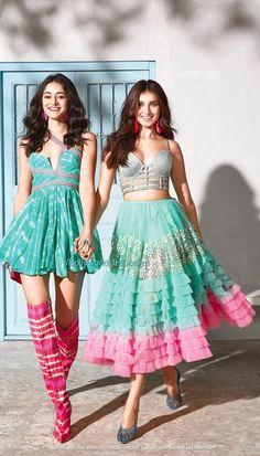 Indian Wedding Fashion, Indian Wedding Outfits, Indian Outfits, Indian Fashion, Korean Fashion, Fashion Tips For Girls, Girl Fashion, Fashion Dresses, 70s Fashion