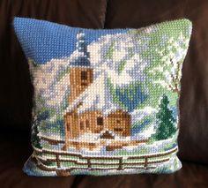Kreativt hjørne - www.tilnytteogglede.com Throw Pillows, Creative, Toss Pillows, Decorative Pillows, Decor Pillows, Scatter Cushions