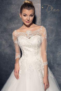 af40face238e Svadobné šaty predlžujúce postavu vďaka 3 4 rukávom Svadobné Šaty