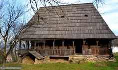 """Traditional houses in rural Romania (case traditionale romanesti) *** Upon arriving in her new home country in the young wife of Prince Carl of Romania noticed in her writings: """"Every R… Romanian People, Rural House, Vernacular Architecture, Unusual Homes, Forest House, Cabins And Cottages, Built Environment, Europe, Traditional House"""
