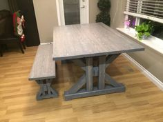 This French Farmhouse Table can be made easily with these free farmhouse table plans. This easy step by step tutorial shows you how to create this French farmhouse dining table. Farmhouse Table Plans, Farmhouse Kitchen Tables, Wooden Kitchen, Wood Table Rustic, Diy Rustic Decor, Wood Tables, Wooden Chairs, Diy Furniture Plans, Woodworking Furniture
