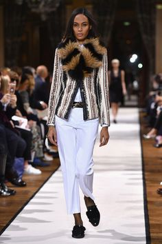 Joan Smalls Photos Photos - Joan Smalls walks the runway during the Lanvin show as part of the Paris Fashion Week Womenswear Fall/Winter 2017/2018 on March 1, 2017 in Paris, France. - Lanvin : Runway - Paris Fashion Week Womenswear Fall/Winter 2017/2018
