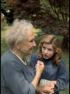 Helen Keller with Patty Duke ~ THE LOOK ON PATTY DUKES'S FACE ~ INCREDULOUS