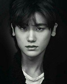 Tall dark and handsome.& this is Park Hyung Sik . Park Hyung Sik, Hot Korean Guys, Korean Men, Strong Girls, Strong Women, Asian Actors, Korean Actors, Park Bo Young, Do Bong Soon