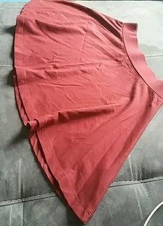 À vendre sur #vintedfrance ! http://www.vinted.fr/mode-femmes/jupes-patineuses/25708174-jupe-patineuse-bordeaux