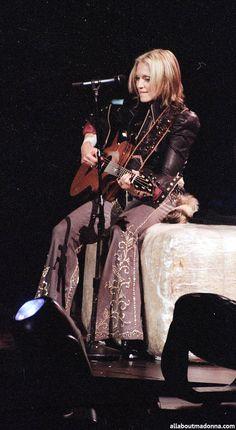 Madonna - Drowned World Tour - 2001, MGM Las Vegas Madonna Concert, Madonna Music, Madonna 80s, Madonna Sorry, Madonna Live, Verona, Divas Pop, Mgm Las Vegas, Madonna Fashion