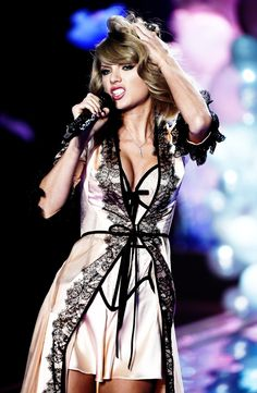 """Performing """"Blank Space"""" during the taping of the 2014 Victoria's Secret Fashion Show, December 2, 2014"""
