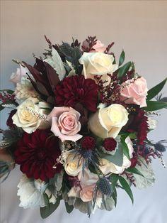 Ideas Flowers Arrangements Wedding Bouquets Mariage – Wedding Tips & Themes Fall Wedding Flowers, Floral Wedding, Wedding Colors, Vintage Wedding Flowers, Wedding Yellow, Autumn Flowers, Burgundy Flowers, Autumn Wedding, Yellow Flowers