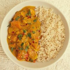 This chicken in a coconut and peanut sauce is inspired by African chicken and peanut curry recipes. This version is Coeliac friendly (gluten free), refined sugar free and low fodmap. Ingredients also include garlic infused olive oil, carrots, chilli and hot paprika. If you are a peanut butter fan I urge you to try this!