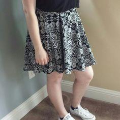 """Black & White skater skirt Almost new skirt. Only worn a few times. 22"""" length Charlotte Russe Skirts Circle & Skater"""