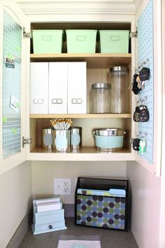 Ready to create a command center? Check out these brilliant command center ideas first to help you organize and design your command center! Pegboard Organization, Home Organisation, Kitchen Cabinet Organization, Organization Ideas, Cleaning Cupboard, Kitchen Cupboard, Cupboard Storage, Storage Ideas, Command Center Kitchen