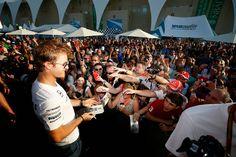 "Rosberg:""Sorry, I don't sign for Ferrari Fans!"""