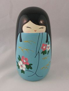 This got to be my favourite kind of kokeshi! Heian/Muromachi style! ^^