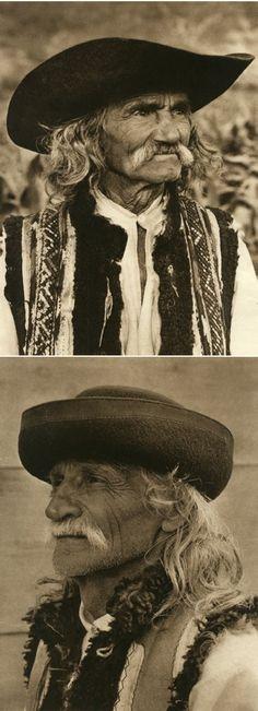 Mirifica Romanie in Alb Si Negru - 1933 Romanian People, Interwar Period, Grimm Tales, Gothic Horror, Central Europe, Gypsy Soul, Dark Fantasy, First World, Old Photos