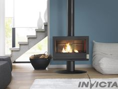 Buy Invicta Elton 14 kW Wood Burning Stove from Fast UK Delivery and lowest prices guaranteed. Natural Wood Furniture, Wood Bedroom Furniture, Light Wood Kitchens, Wood Plank Walls, Cast Iron Stove, Cast Iron Fireplace, Kitchen Stove, Kitchen Wood, Traditional Fireplace