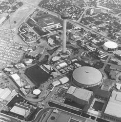 1968 - Aerial view of HemisFair grounds. Texas History, Local History, Texas Travel, San Antonio Spurs, World's Fair, Beautiful Buildings, Historical Sites, Aerial View, City Photo