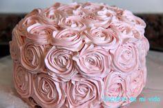 Tarta rosa de rosas rosa
