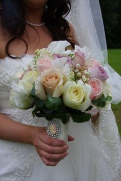 Soft Cameo Shades For this Wedding Bouquet