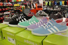 Elige tus Adidas en el color que más te guste en las #rebajas de Sport Zone #DiariodeRebajas #Calzado #Moda #Shopping #MarinedaCity