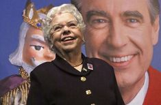 Joanne Rogers, widow of TV's famed Mister Rogers, dies at 92 Pbs Kids Videos, Tv Icon, Fred Rogers, Pittsburgh City, Celebrity Deaths, Billie Jean King, Tennis Stars, Poses For Photos, Tom Hanks