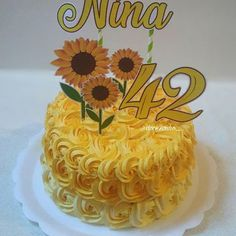 Sunflower Party, Sunflower Cakes, Purple Drinks, Coconut Smoothie, Cake Games, Coconut Recipes, Pumpkin Spice Cupcakes, Good Healthy Recipes, Cute Cakes