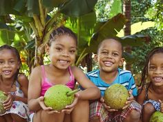 How To Make The Delicious Jamaican Black Fruit Cake in 10 Easy Steps Best Apple Crisp Recipe, Apple Crisp Recipes, Red Label Wine, Black Cake Recipe, Jamaican Fruit Cake, Breadfruit Recipes, Buckwheat Pancakes, Caribbean Recipes, Caribbean Art