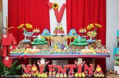 Sueli Coelho - Decor Ambientes e Eventos Planejados: Festa Infantil - Galinha Pintadinha para a Valentina