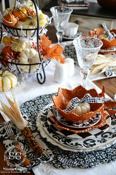 StoneGable: FALL AROUND THE KITCHEN, fall kitchen decor home tours and table setting.love this, so not happening at our house! Thanksgiving Tablescapes, Holiday Tables, Thanksgiving Decorations, Seasonal Decor, Christmas Tables, Fall Table Settings, Beautiful Table Settings, Place Settings, Fall Kitchen Decor