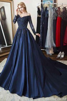 Navy Prom Dresses, Prom Dresses Long With Sleeves, Prom Outfits, Beautiful Prom Dresses, Elegant Dresses, Pretty Dresses, Evening Dresses, Formal Dresses, Maxi Dresses