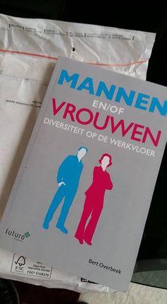 """Leuk, enthousiaste lezer Griek: """"Bestsellersboekje in de bus'. Altijd leuk, heel veel leesplezier en profijt met het boek 'Mannen en/of Vrouwen' van Bert Overbeek. #mannenenofvrouwen #bertoverbeek #futurouitgevers"""