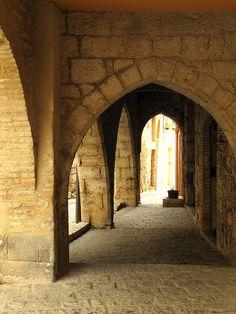 Arcos ojivales   Perelada  Empordà
