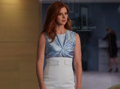 Sarah Rafferty as Donna Paulsen -- (Photo by: Shane Mahood/USA Network) Serie Suits, Suits Tv Series, Suits Tv Shows, Donna Suits, Suits Rachel, Fashion Tv, Office Fashion, Work Fashion, Sarah Rafferty