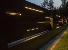 XCEL Flow Fence with LED lighting, ready concrete bollards Front Wall Design, House Fence Design, House Main Gates Design, Garage Door Design, Main Door Design, Modern Entrance, Entrance Gates, Compound Gate Design, Gate Designs Modern
