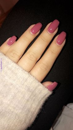 Nail art is a very popular trend these days and every woman you meet seems to have beautiful nails. It used to be that women would just go get a manicure or pedicure to get their nails trimmed and shaped with just a few coats of plain nail polish. Cute Acrylic Nails, Cute Nails, Pretty Nails, My Nails, Fall Nails, Acrylic Nails Autumn, Squoval Acrylic Nails, Gel Shellac Nails, Pretty Nail Colors