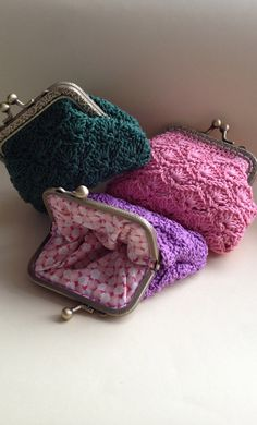 Preciosos monederos de ganchillo al mas puro estilo vintage de Hamoraima para SuThings.com #crochet #monederos #handmade