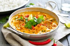 This Thai red curry is vegan, gluten-free, kosher, quick, easy... and super delicious! I loved it I can guarantee: so will you <3