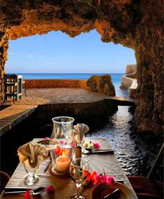 The Caves Resort's restaurant, Negril, Jamaica. Negril is a small (population but widely dispersed beach resort town located across parts of two Jamaican parishes, Westmoreland and Hanover. Negril Jamaica, Places Around The World, Travel Around The World, Around The Worlds, Hotel Secret, Dream Vacations, Vacation Spots, Vacation Ideas, Places To Travel