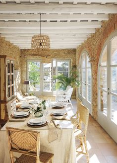 〚 Wonderful transformation of old house in sunny Spain 〛 ◾ Photos ◾Ideas◾ Design Rustic Kitchen Lighting, Old Stone Houses, Interior Minimalista, Beautiful Dining Rooms, Beautiful Interiors, Home And Living, Living Room, Ibiza, Interior Architecture