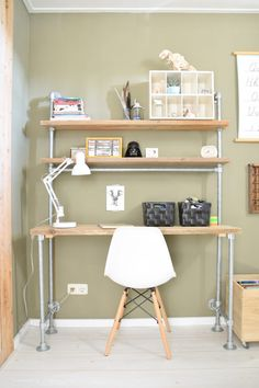 Binnenkijker Job - The Baby Project New Room, Getting Old, Girls Bedroom, Office Desk, Kids Room, Diy Bureau, Interior, Projects, Furniture