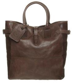 Hvis du ikke allerede har en lækker weekendtaske, er det vist på tide at få en. Du får syv undskyldninger til at købe en her.