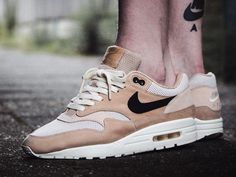 Nike wmns Air Max 1 Pinnacle - Mushroom/Black/Light Bone - 2017 (by maikelboeve) Buy it: Overkill / End Clothing / Sneakersnstuff / Foot District / Afew / More shops
