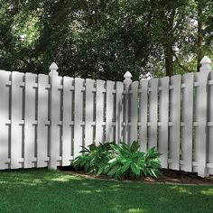 3 Clever Tricks: Wooden Fence Panels 6 X 8 Easy Diy Front Yard Fence.Wooden Fence Panels 6 X 8 Backyard Fence Wire. Wood Privacy Fence, Privacy Fence Designs, Backyard Privacy, Small Backyard Landscaping, Fence Landscaping, Backyard Fences, Diy Fence, Pallet Fence, Cedar Fence