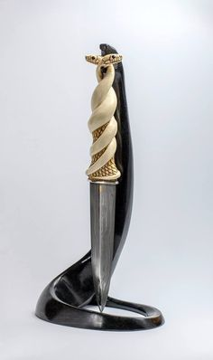 Snake Hilt Knife