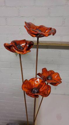 Newest Photos Ceramics Pottery flowers Suggestions Keramik Mohn – Beton deko – Ceramic Poppies, Ceramic Flowers, Ceramic Vase, Ceramic Pottery, Sculptures Céramiques, Tree Sculpture, Bronze Sculpture, Clay Flowers, Flower Vases