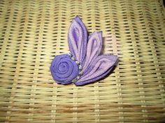 Lovely handmade brooch from Delhusna Handmade We ship world wide Price : IDR 30.000/pc From Pekanbaru Indonesia