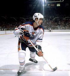 "Callum said he likes hockey. ""I joined a team. Hockey Shot, Ice Hockey, Bruins Hockey, Hockey Boards, Wayne Gretzky, Nhl Games, Sport Icon, Edmonton Oilers, Mlb Teams"